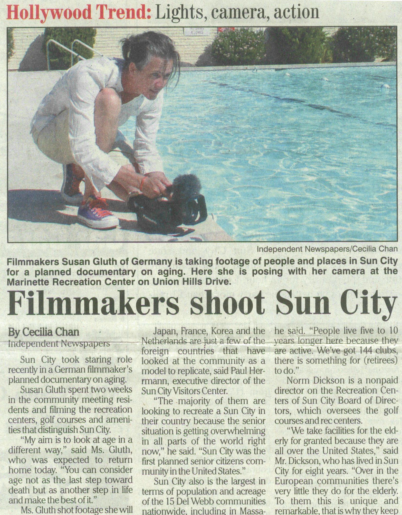 Zeitungsartikel über Susan Gluth bei den Filmarbeiten in Sun City in englischer Sprache